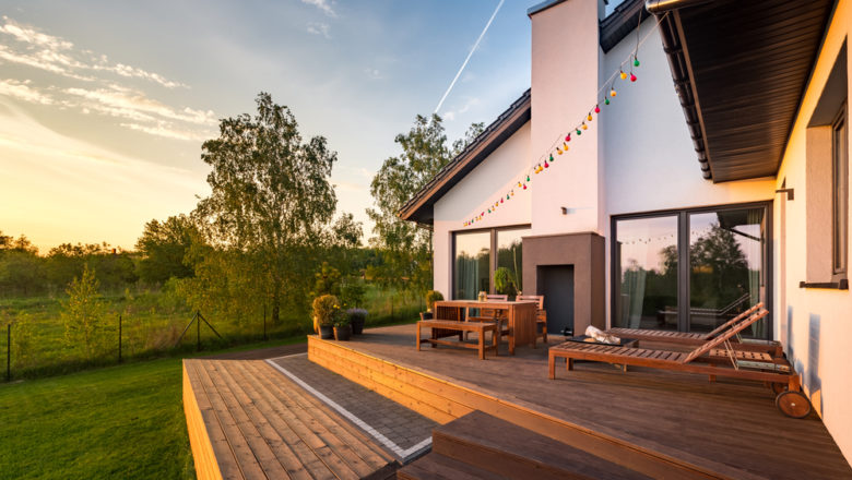 Aménager une terrasse pour améliorer la déco extérieure